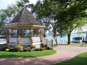 fall gazebo and barbara sd Resized